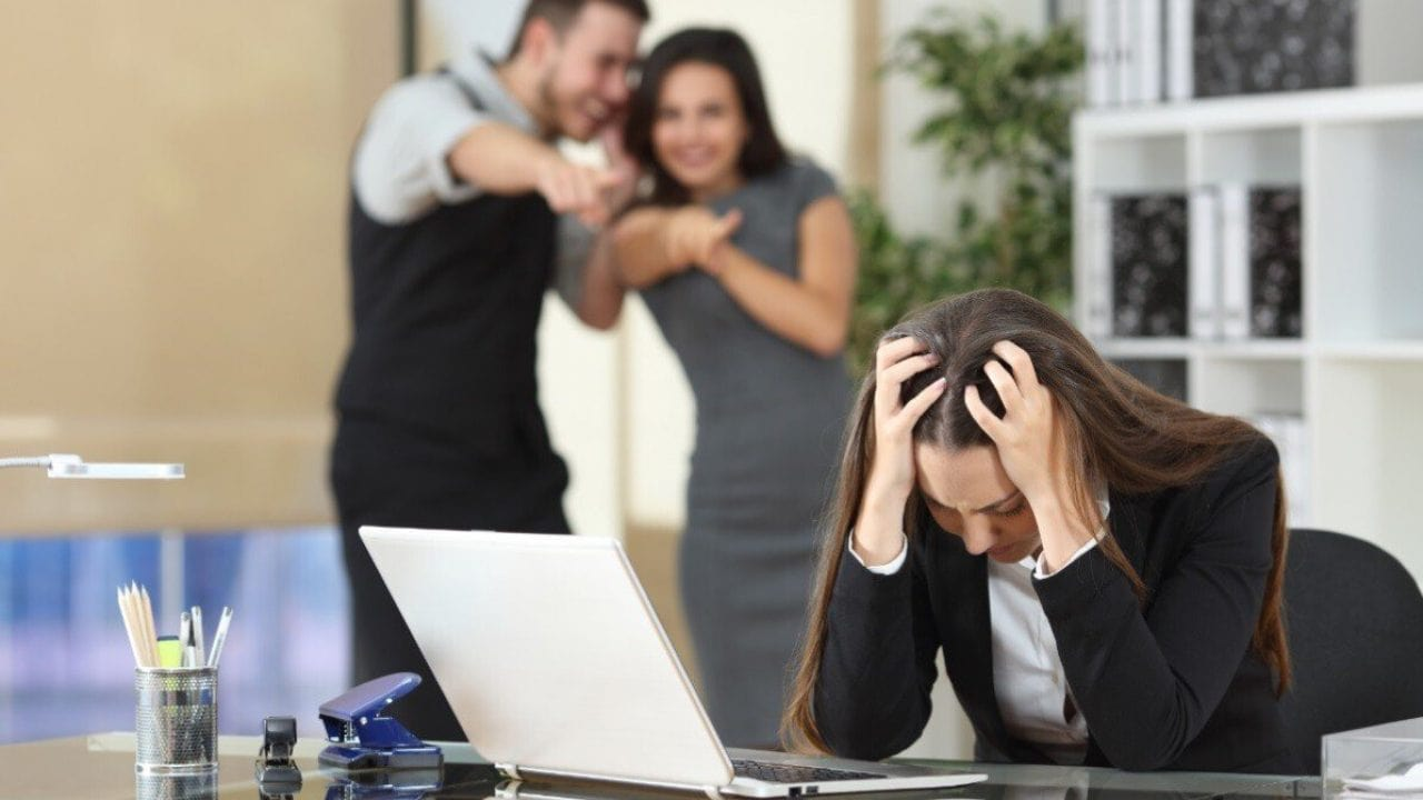 Ofis Zorbalığı Mobbing Hakkında Bilmeniz Gerekenler-min