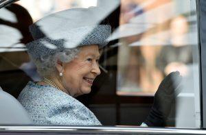 Kraliçe Elizabeth'in Sosyal Medya Sorumlusu