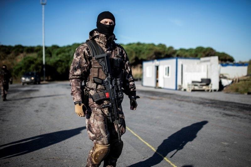 Bin Özel Harekat Polisi bölgede