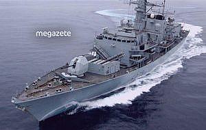 İran donanması tatbikat sırasında yanlışlıkla kendi gemisini vurdu!